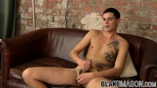 Young cutie Justin Wood squeezes the cum out of his balls