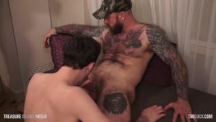 Huge cock daddy breeds Peyton's throat