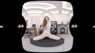Virtualpee-Kinky Redhead Soaks Her Clothes In Piss PornZek.Com
