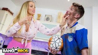 Video bokep BANGBROS - MILF Rebecca More Fucks Her Filthy Step Son Sam Bourne, 3GP, MP4, WEBM, AVI, FLV gratis