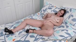 American Milf Christina Sapphire Rubs Her Pussy Furiously PornZek.Com