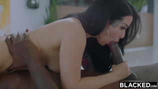 Blacked This Bbc Queen Finds Black Nerd With Huge Cock !