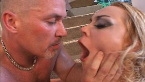 Blondie s lover wants to taste his own cum