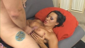 mature takes a creamy load in mouth