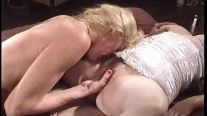 Chubby lesbians love to lick and suck - Kandi Peach