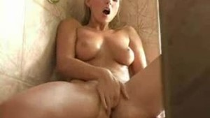blondie shower