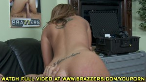 Kelly Divine - Getting aHead in Hollywood
