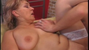 Horny housewife 3/3