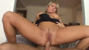 Blonde Milf get fucking in her hole......