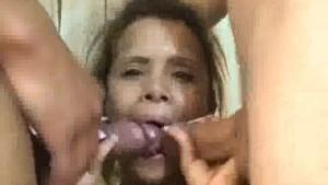 Amateur latina enjoying threesome