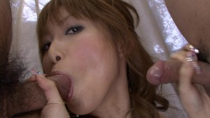 Double-Blowjob Asian Girl