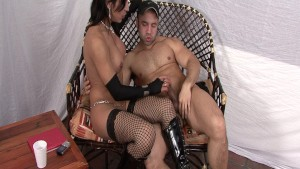 Sexy shemale in fishnets gets
