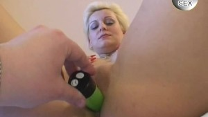 Fun with blonde chick and dildos