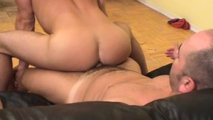 Muscle Man Lifting Guy for Sexy Blow - Twisty s