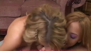 Lexi Belle and Veronique Vega give head