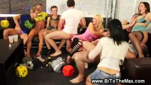 Bisexual orgy feast with unconstrained participants