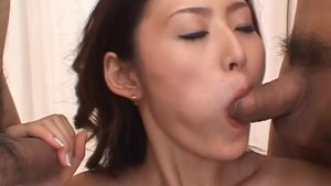 Sexy cougar gets wet and ready for a threesome