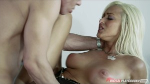 Big booty blonde Breanne Benson fucks her buisness partner