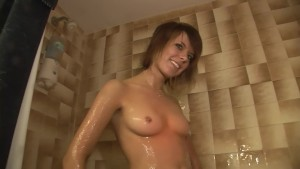 Teen Shows Her Breasts And Her Pussy - DreamGirls