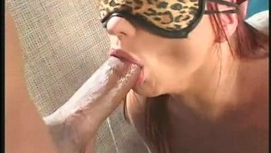 Katja Kassin puts a blindfold on and let this BBC do its thing - Anarchy