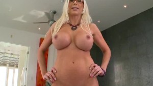 Horny MILF Uses Toy To Get Off