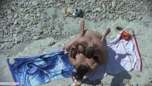 Beach deepthroat blowjob and fucking