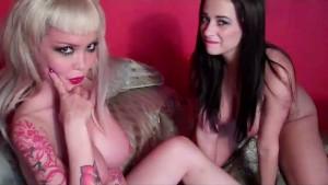 Taylor Vixen Licks Pussy