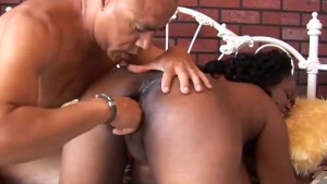 Beautiful big tits mature black babe Yvette enjoys a facial cumshot