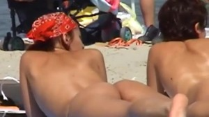 Hunting for great bodies on the beach