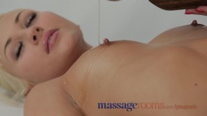 Massage Rooms Teen with perfec