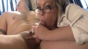 Amateur MILF Is a Bad Secretary
