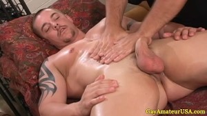 Straight amateur dude accedes to gay fantasy