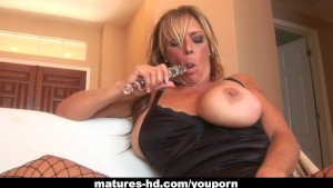 Ginger Lynn and Debi Diamond make sweet lesbo love
