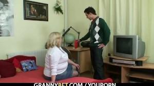 Big titted granny tastes yummy cock