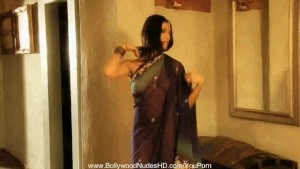 Bollywood Girlfriend Is True HD