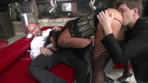 Slutty Simony tries four cocks all in one go trying some thing new