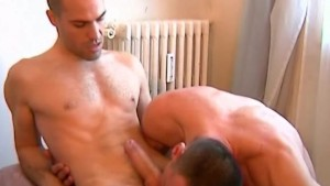 Testing his cock: Sylvain get sucked and more by a guyin spite of him !