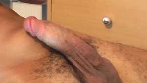 It's a huge arab cock to shake a lot !