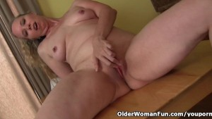 Curvy milf takes a masturbation break from housework