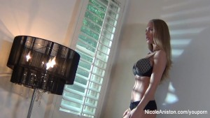 Nicole Aniston Behind The Scenes