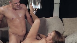 Hot Minx Dominica Phoenix Receives Pounding And Cum