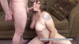 Plump MILF Alexsis Sweet is going down on a lucky geek