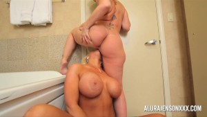 Milf Alura Jenson and Sara Jay lesbian anal and pussy fun