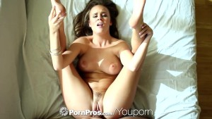 PornPros - Pretty Alexis Adams bakes some goodies for her man