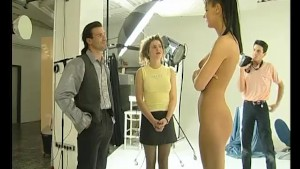 Cougar Shows Her Pussy To The World - Julia Reaves