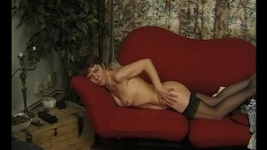 Mature MILF posing nude - Julia Reaves