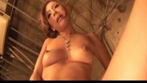 Ramu Nagatsuki puts vibrator on tits and cunt