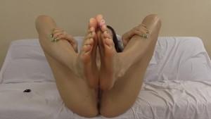 Cum virtually fuck my feet and cum all over them