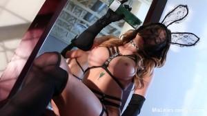 Mia Lelani Sexy Solo