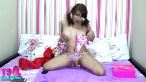 TS Filipina Sweet Shemale Play and Licks Candy